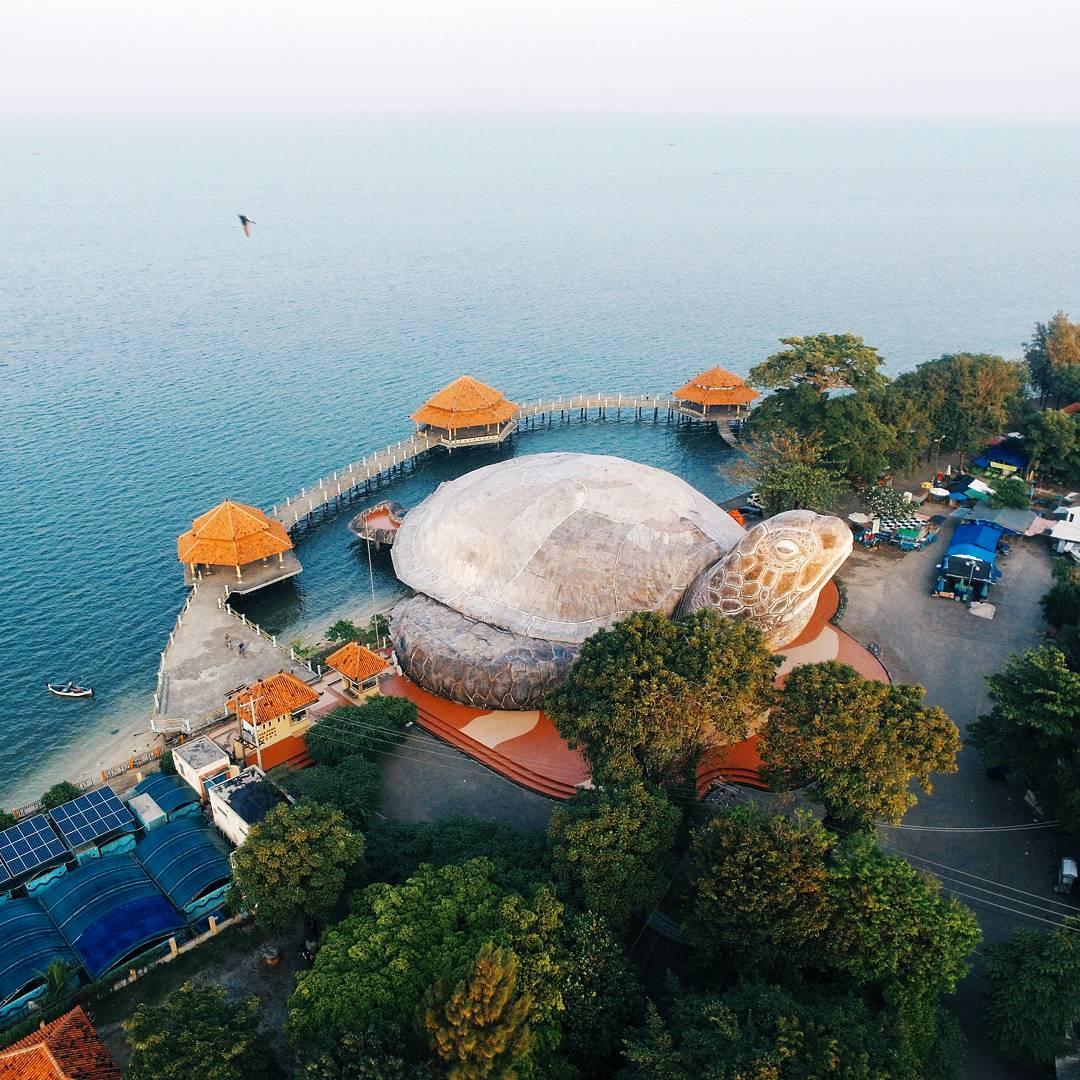 Pantai kartini kura-kura ocean park