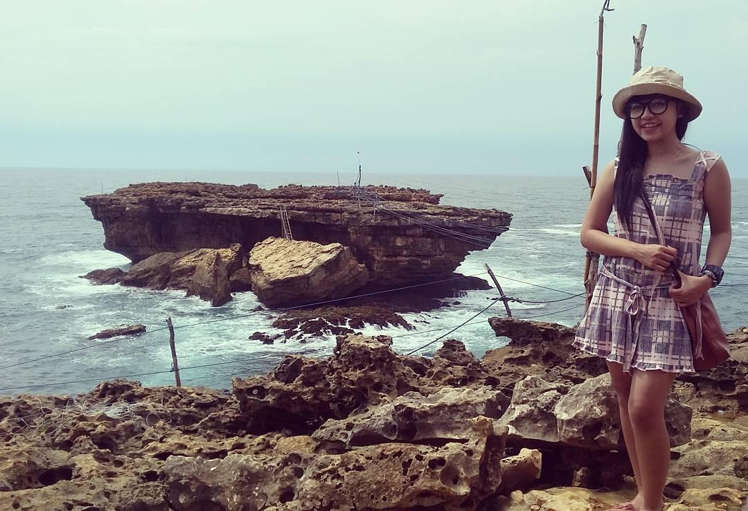 Wisata pantai timang