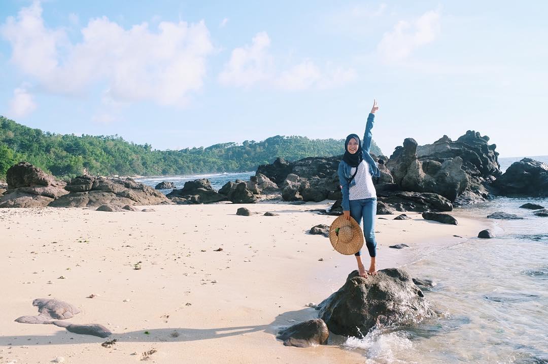 Foto pantai nampu wonogiri