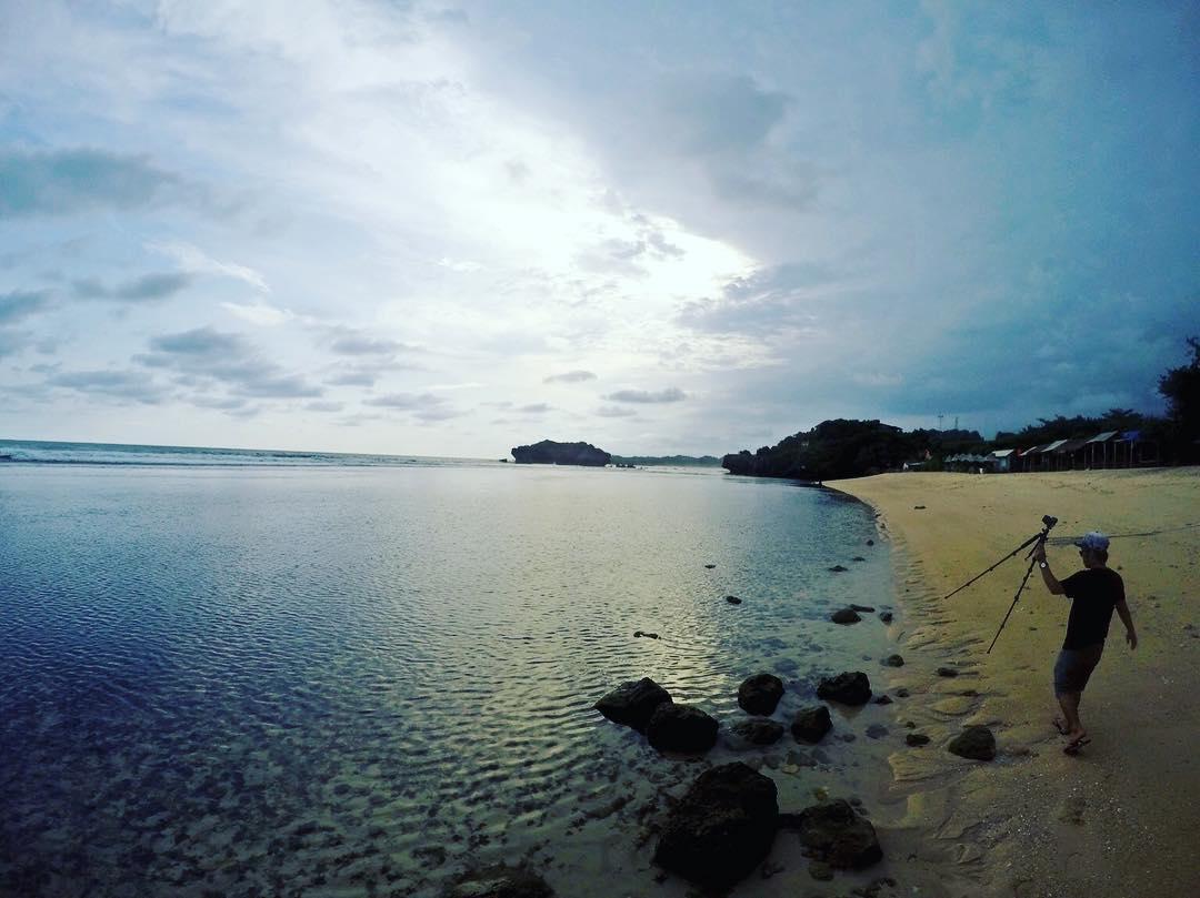 Pantai sundak wonosaro