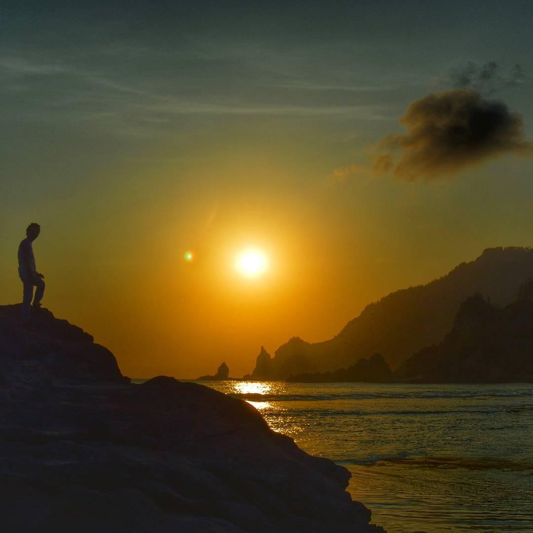 Sunset pantai nampu wonogiri