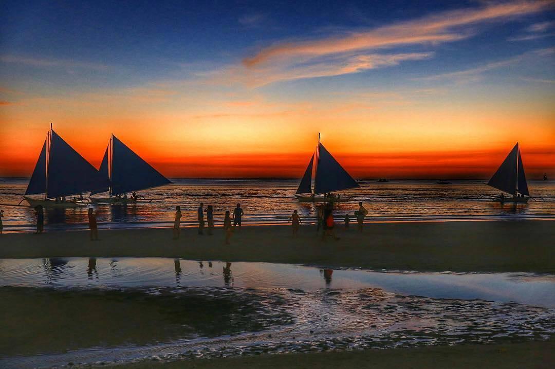 sunset pantai sawarna banten