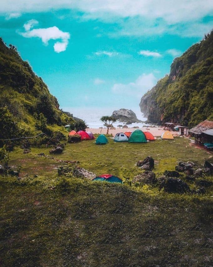 camping di pantai siung