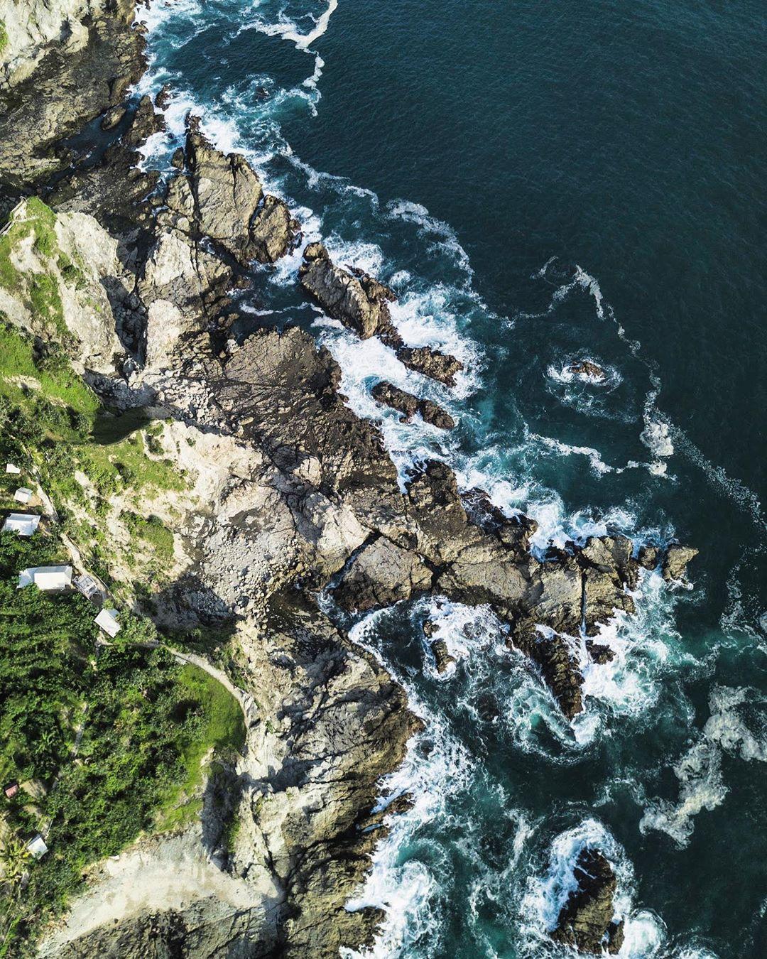 foto drone pantai siung