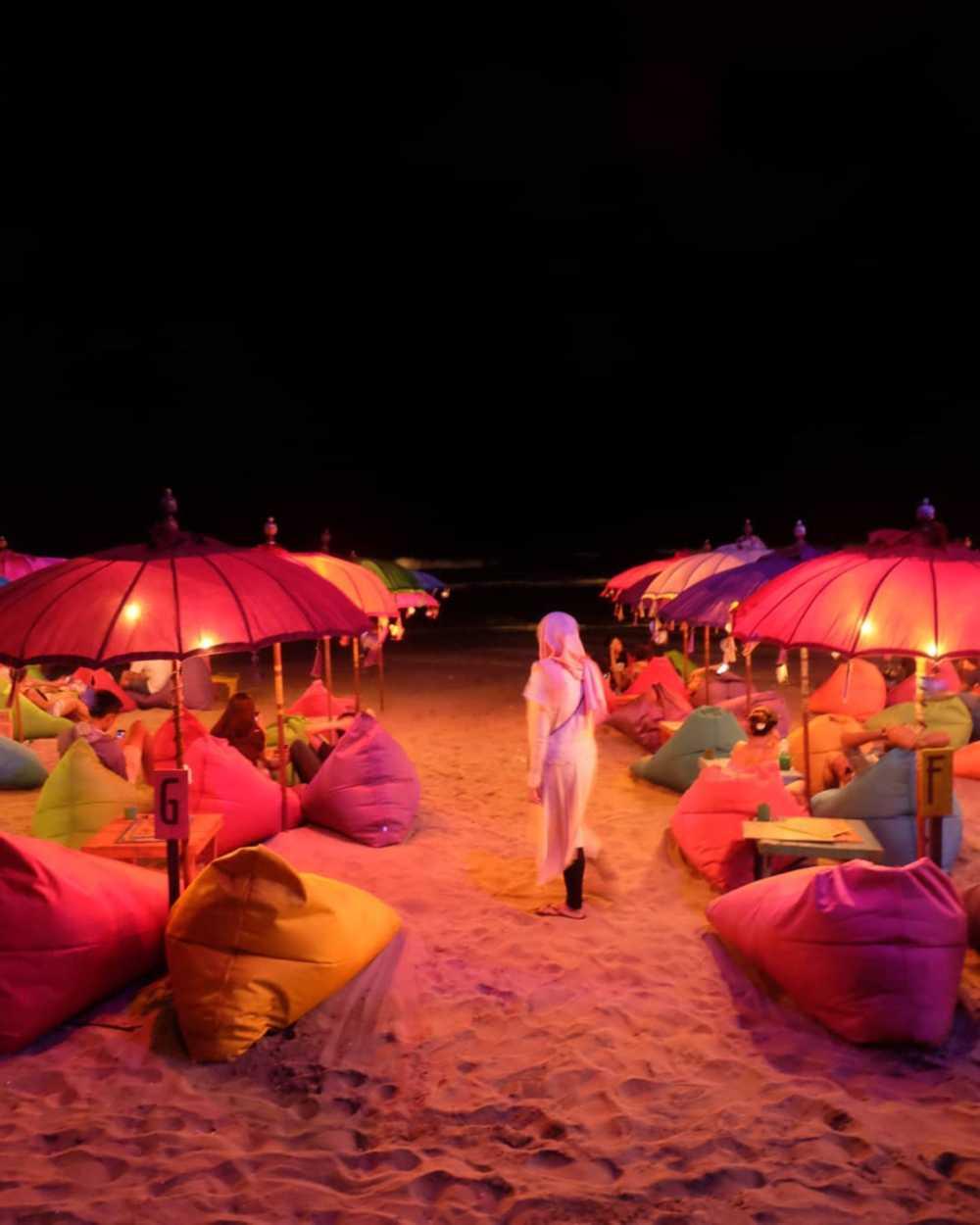 Pantai seminyak nightlife