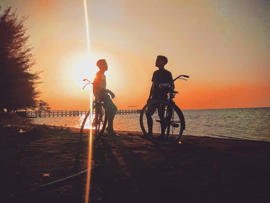 Sunset pantai bletok