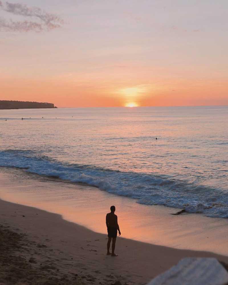 Sunset pantai dreamland bali