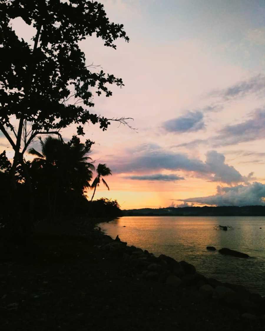 Sunset pantai maruni