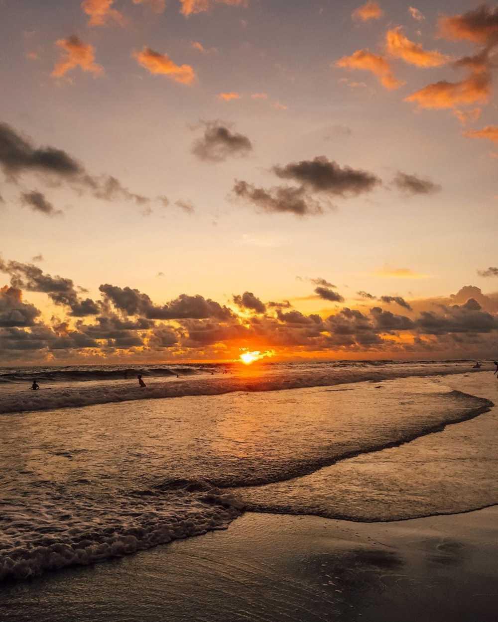 Pantai echo
