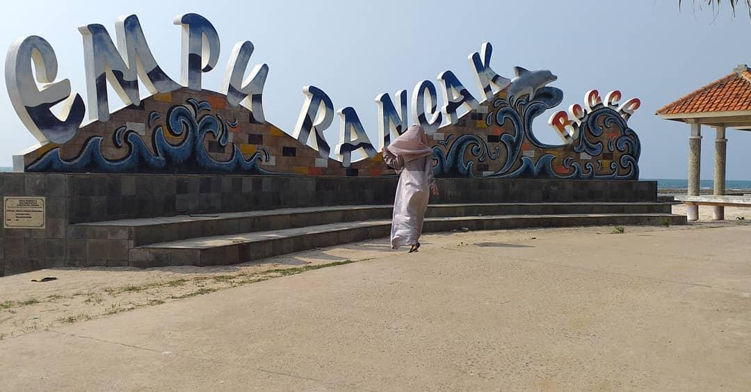 Spot foto pantai empu rancak
