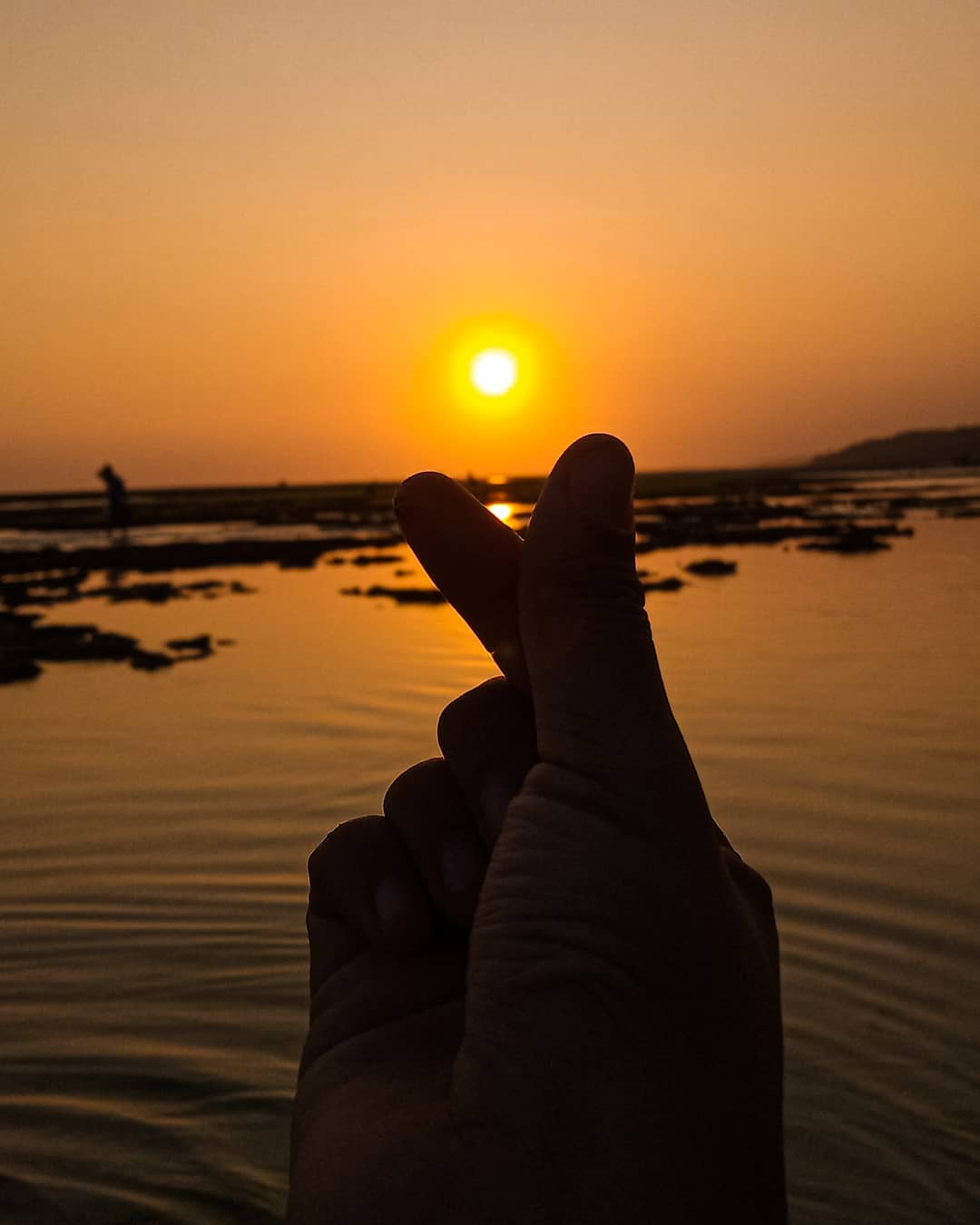 Sunset pantai minajaya