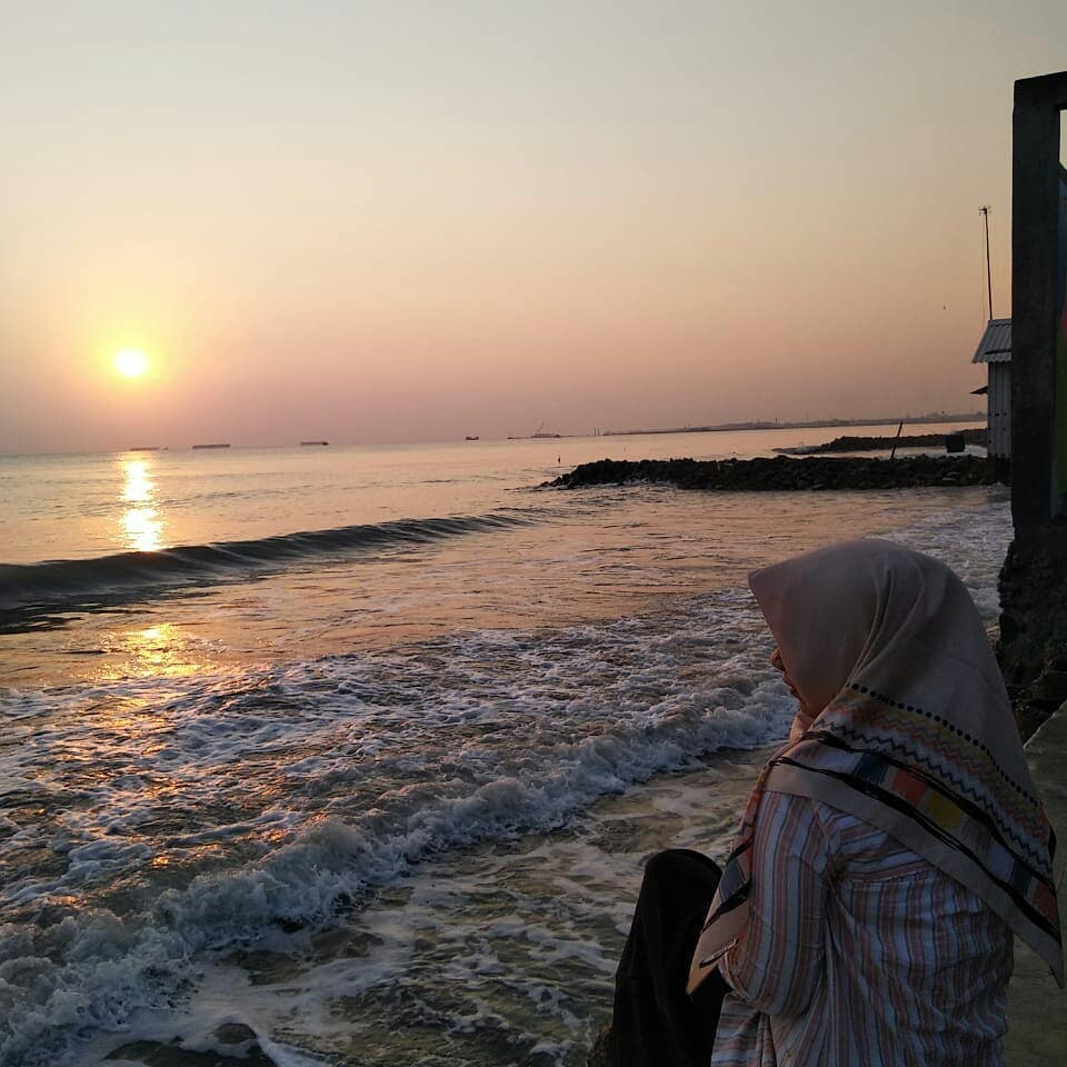 Sunset pantai muarareja