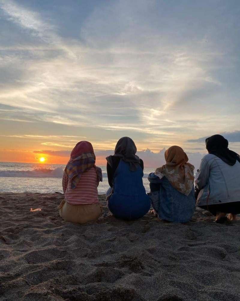 Sunset pantai kayu putih