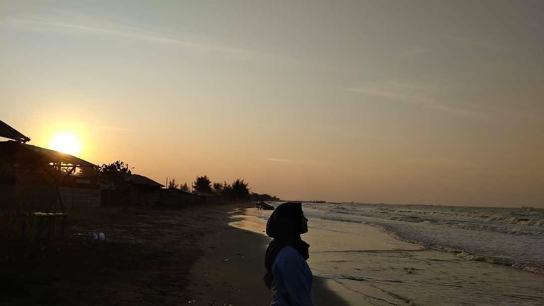Sunset pantai glayem