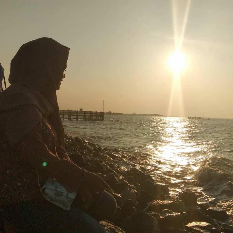 Sunset pantai plentong