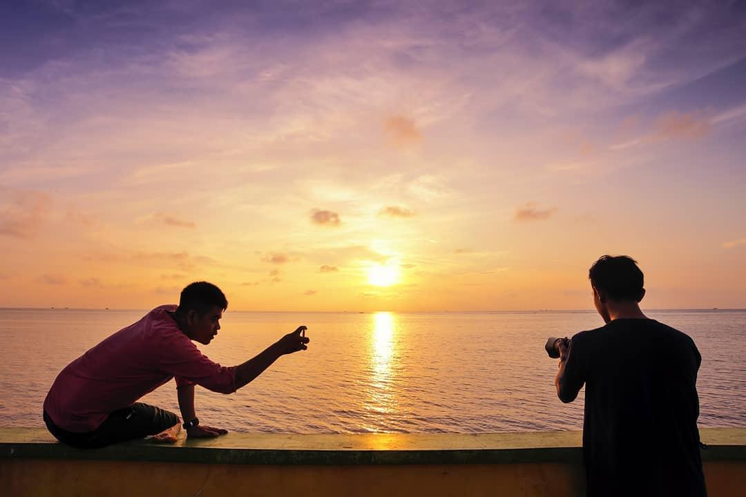 Sunset pantai mororejo